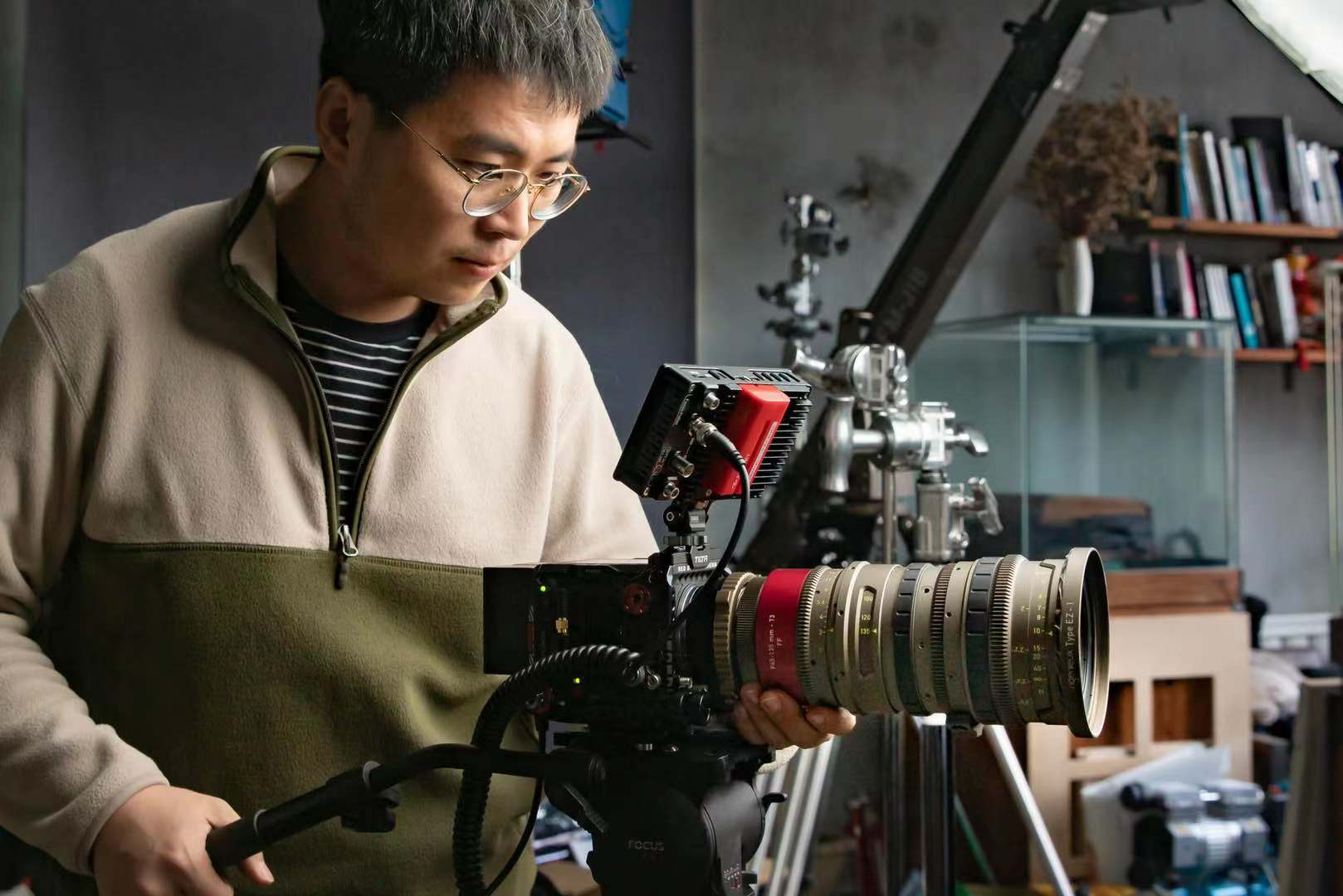 Owner-Operator Zhang Qifeng Goes Full-frame with Angénieux EZ