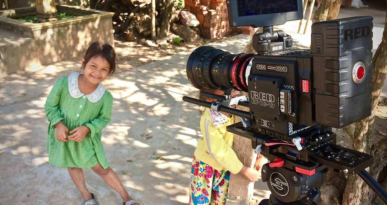 """""""A Child's Smile"""" deserved an Angénieux, A testimonial by Jérôme Dolbert, back from Cambodia"""